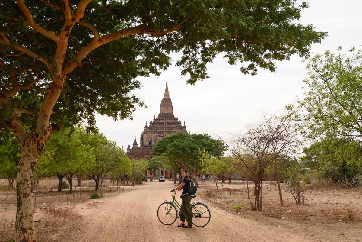 У Багані на велосипеді